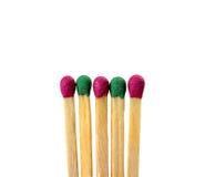 Différentes couleurs de match sur un fond blanc la vision abstraite soit personnalité ou position différente et unique de la foul Images stock