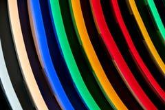 Différentes lampes de couleur dans rangées Photographie stock libre de droits