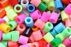 Différentes perles colorées Photographie stock libre de droits