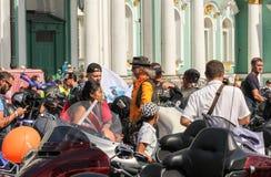 Différentes personnes et motos image libre de droits