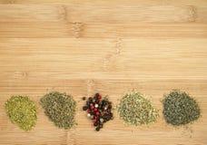 Différentes sortes d'épices sèches Photos stock