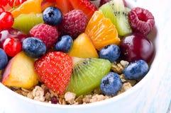 Différentes sortes de fruit, de baie et de flocons Photos stock