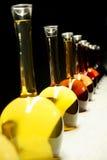 Différentes sortes de vin dans des bouteilles spéciales Images stock