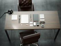 Différents éléments de marquage à chaud de maquette Calibre réglé sur la table en bois Images stock