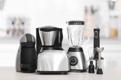 Différents appareils de cuisine modernes Photo libre de droits