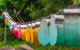Différents beaux et colorés lampions Le festival est une c?l?bration la naissance de Bouddha en Cor?e du Sud images libres de droits