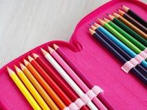 Différents crayons de couleur Photos libres de droits