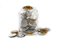 Différents cryptocurrencies dans un pot d'isolement sur le fond blanc Concept de l'épargne Rendu 3d réaliste illustration de vecteur