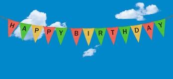 Différents fanions ou drapeaux de tissu avec le joyeux anniversaire Photo stock