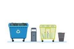 Différents genres de poubelles, récipients, pour des types de déchets Images libres de droits