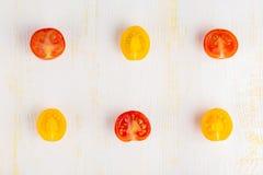 Différents genres de tomates coupées en tranches Photos stock