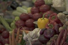 Différents légumes et oignons Photo stock