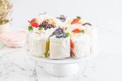 Différents morceaux de gâteau Photo stock