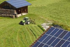 Différents panneaux solaires photographie stock