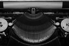 Différents petits éléments en métal d'une vieille machine à écrire Image libre de droits