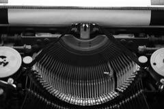 Différents petits éléments en métal d'une vieille machine à écrire Photos stock