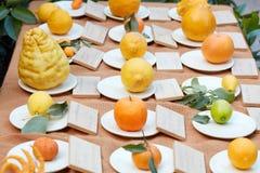 Différents types d'agrumes à la foire, Milan image stock