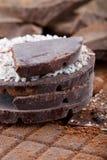 Différents types de barres de chocolat Chocolat organique d'artisan images libres de droits