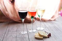 Différents types de vins par le verre Photographie stock