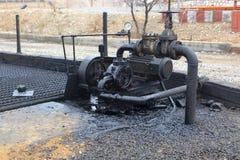 Différents types des valves et d'indicateurs dans l'industrie pétrolière  photographie stock libre de droits