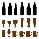 Différents types des verres et de bouteilles Image libre de droits