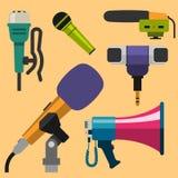 Différents types musique de microphones d'entrevue de vecteur de journaliste d'icônes annonçant l'outil vocal de l'outil TV Image libre de droits