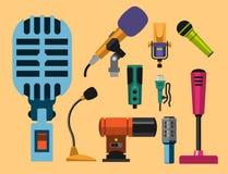 Différents types musique de microphones d'entrevue de vecteur de journaliste d'icônes annonçant l'outil vocal de l'outil TV Photographie stock