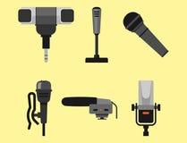 Différents types musique de microphones d'entrevue de vecteur de journaliste d'icônes annonçant l'outil vocal de l'outil TV Images libres de droits