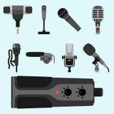 Différents types musique de microphones d'entrevue de vecteur de journaliste d'icônes annonçant l'outil vocal de l'outil TV Photo stock