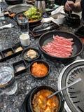 Diffusione coreana della tavola del bbq fotografia stock libera da diritti
