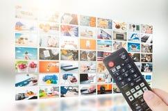 Difusión video de la televisión de la pared de las multimedias imagenes de archivo