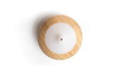 Difusor de madera eléctrico del aceite del aroma de la visión superior aislado Imagen de archivo