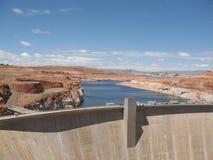 Diga del bacino idrico nel lago Powell Immagini Stock