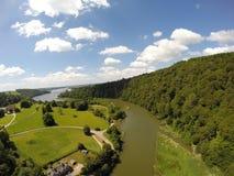 Diga di Lopwell ed il fiume Tavy Dartmoor, Devon Regno Unito Immagine Stock Libera da Diritti