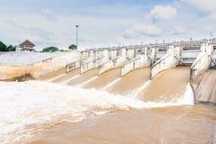 Diga di PA Sak Jolasid per evitare l'inondazione immagini stock libere da diritti