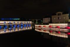 Diga di Strasburgo vauban vicino ad un canale in Francia di notte Fotografia Stock