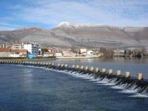 Diga e colline dell'acqua Immagine Stock Libera da Diritti