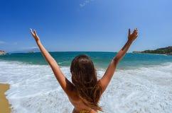 Diga hola a la playa foto de archivo libre de regalías
