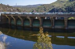 Diga idroelettrica fotografie stock libere da diritti