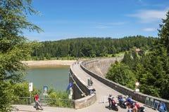 Diga nel lago di stoccaggio di Schwarzenbachtalsperre in Forbach Fotografia Stock Libera da Diritti