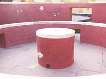 Digamsa扬特拉河-在观测所, Jantar Mantar,斋浦尔,拉贾斯坦,印度的一台天文学仪器内部  免版税库存图片