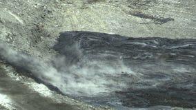 Η εκκαθάριση της επανόρθωσης των αποβλήτων υλικών οδόστρωσης του πετρελαίου και οι τοξικές ουσίες, digger προετοιμάζουν τη λάσπη  φιλμ μικρού μήκους