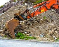 Digger φτυάρι εκσκαφέων στο εργοτάξιο οικοδομής Στοκ Φωτογραφίες