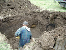 digging hole Royaltyfri Bild