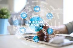 Digitaal marketing technologieconcept Internet Online Zoekmachineoptimalisering SEO SMM reclame royalty-vrije stock foto