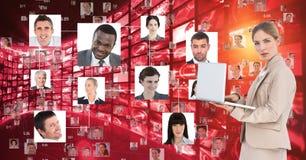 Digitaal samengesteld beeld van onderneemster die laptop met behulp van door portretten te vliegen royalty-vrije illustratie