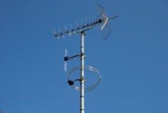 Digitaces TV y antenas de radio imagen de archivo libre de regalías