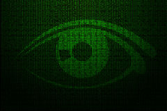 Digital-Auge gemacht vom grünen binär Code Lizenzfreies Stockbild