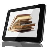 Digital-Bibliotheks-Konzept - Tablet-Computer und offenes Buch auf Geröll lizenzfreie stockfotos
