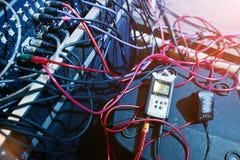 Digital blandande konsol Kontrollbord för solid blandare, closeup av au Royaltyfria Bilder